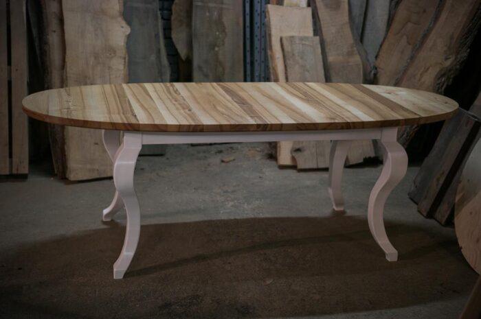 Ovaalne pikendaatav laud